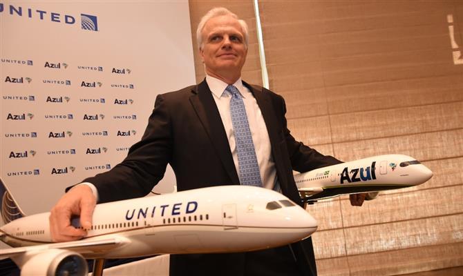 Nova companhia aérea do empresário SUD David Neeleman encomenda 60 A220-300