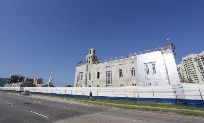 Primeiro templo mórmon no Rio ganha forma