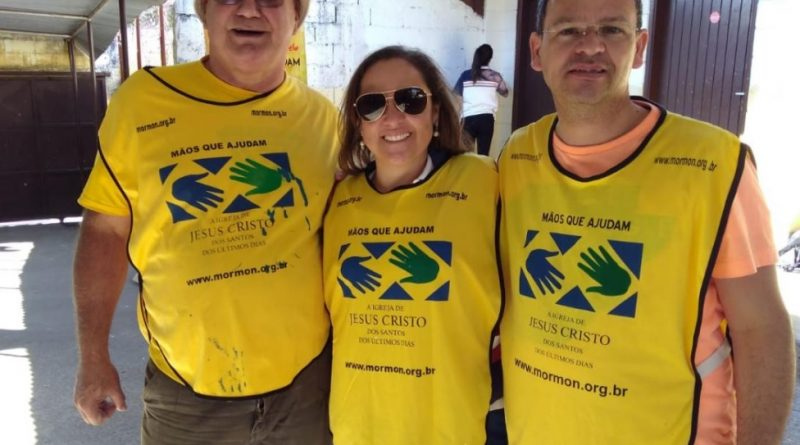 Mais de 200 pessoas ajudam na revitalização da escola Strautmann