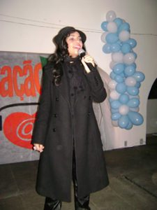 "Liriel cantando ""Dream A Dream"""