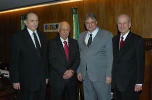 Pres. Monson, Vice-Presidente do Brasil José de Alencar, Deputado Federal Morôni Torgan e Élder Russell M. Nelson