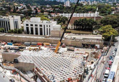 Estação de metrô foi inaugurada ao lado do Templo de São Paulo