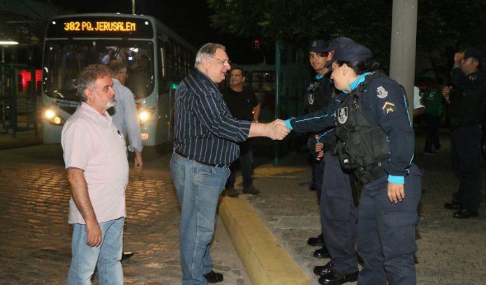 Por meio do Vice-prefeito Moroni Torgan, Prefeitura garante normalização do serviço de transporte público na Capital