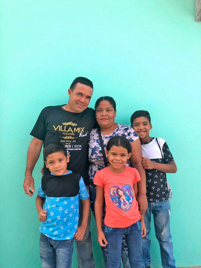 Família de venezuelanos que está prevista para chegar na cidade no próximo sábado (11) – Divulgação