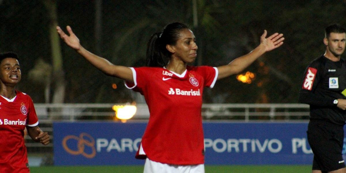 Zagueira Bruna Benites comemora seu primeiro gol pelo colorado   Foto: Mariana Capra / Internacional