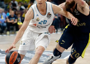 Jogador de basquete do Real Madrid, Jaycee Carroll, fala sobre sua fé e sua família