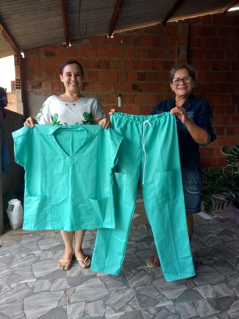 Sociedade de Socorro de Parnaíba doa tempo e talento na confecção de roupas para o hospital estadual